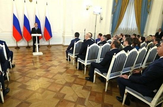 Медведев вручил премии руководства закачество двум татарстанским организациям