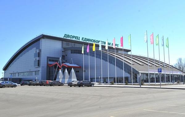 Путин установил Сочи иКазань впример Красноярску