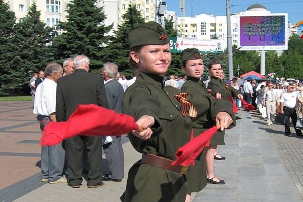Брянский губернатор поздравил соотечественников сДнём памяти партизан иподпольщиков