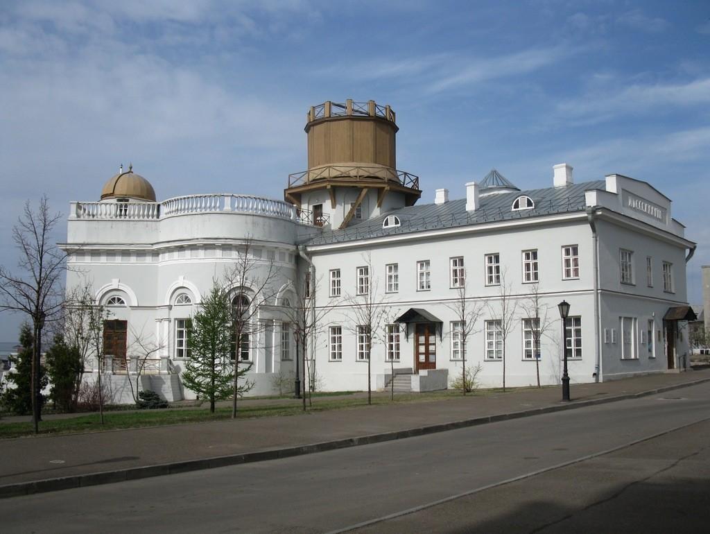 Астрономическая обсерватория во дворе университета возводилась под чутким руководством ректора Лобачевского.