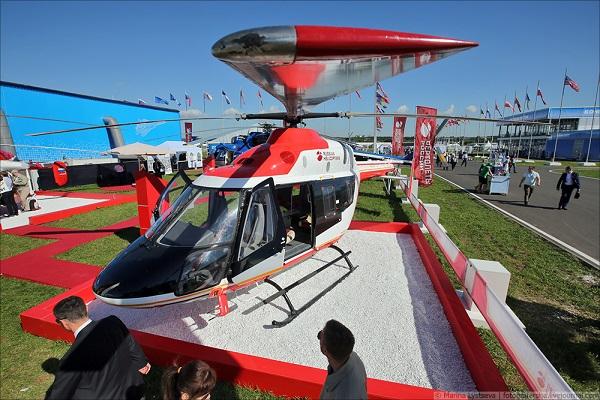 Вертолет Ансат на МАКС-2017_fotografersha.livejournal