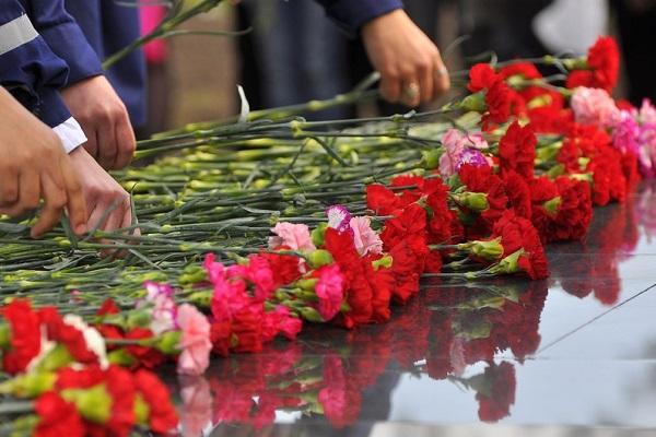 vozlozhenie-cvetov-k-9-maya15226