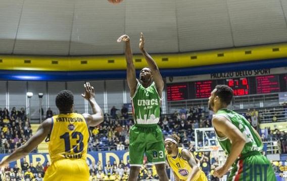 УНИКС обыграл «Торино» вматче баскетбольного Еврокубка