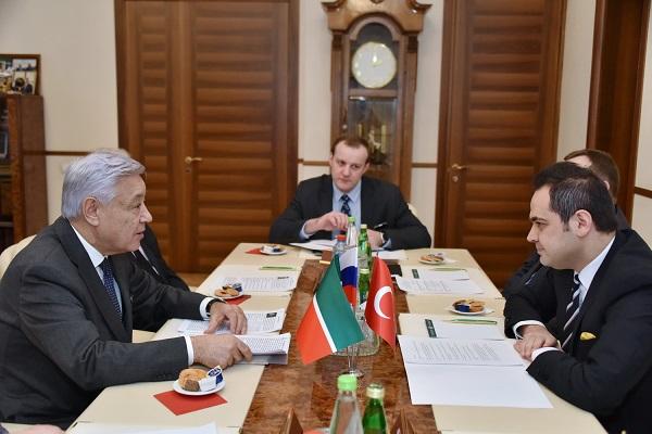Встреча с турком_Пресс-служба Госсовета