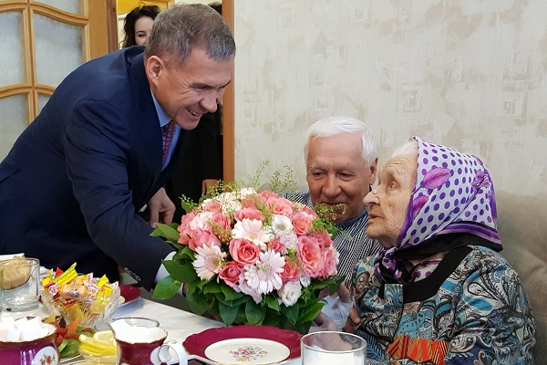 Бабушка_Пресс-служба Президента