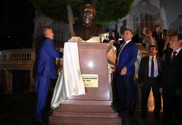 Рустам Минниханов принял участие в церемонии открытия бюста  Евгения Примакова