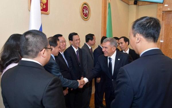 Рустам Минниханов провёл встречу с делегацией Социалистической Республики Вьетнам
