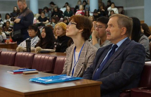 В Казани поговорили о русском языке в полиэтнической среде