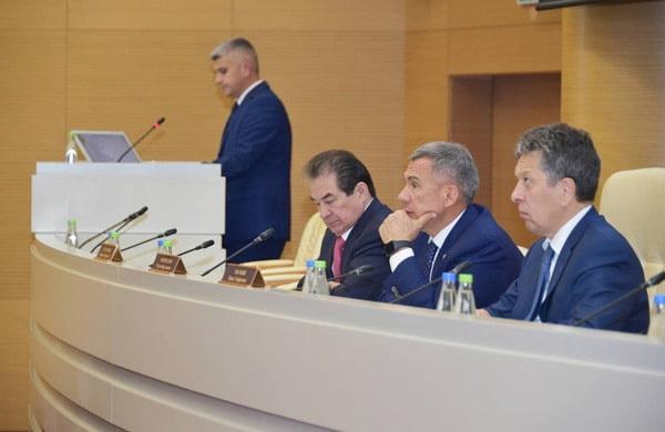 заседание в доме правительства
