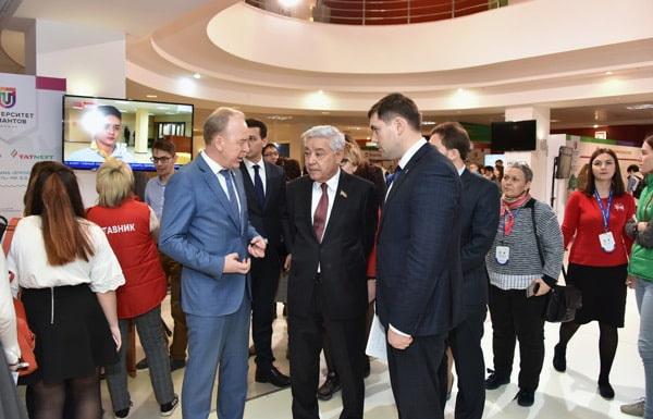 Фарид Мухаметшин встретился с экспертами и участниками форума талантливой молодежи