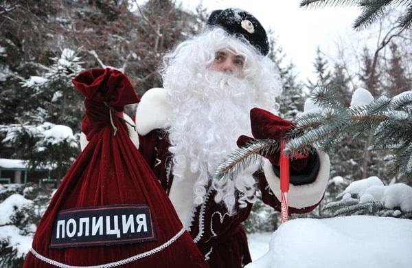 полицейский-дед мороз
