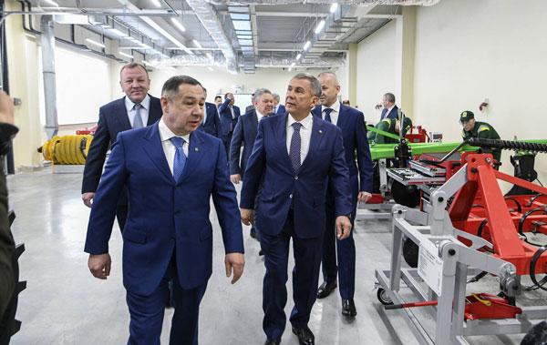 Минниханов-в-сабинском-районе1
