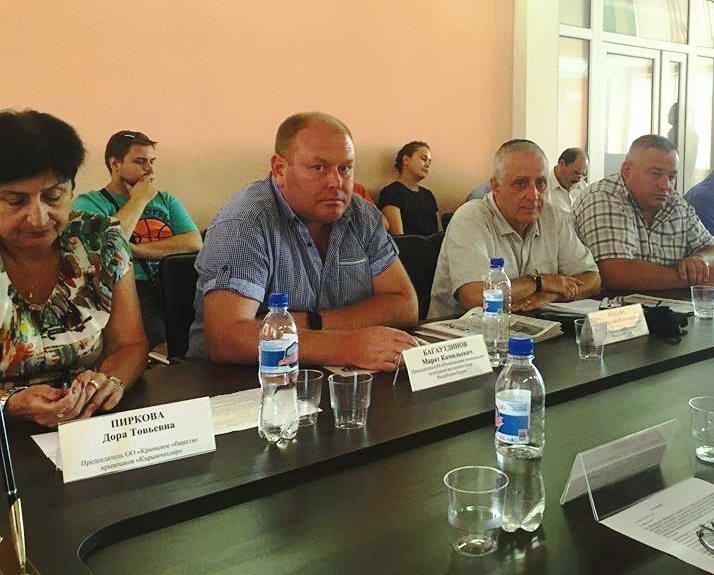 КРЫМ Марат Багаутдинов возглавляет автономию татар в Крыму