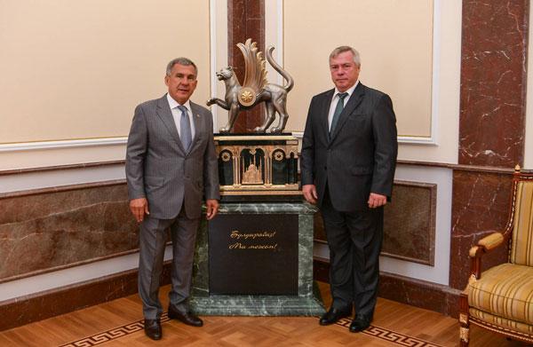 минниханов-встретился-с-губернатором-голубевым