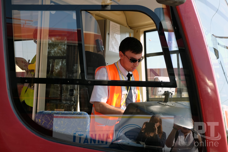 Лучший водила трамвая (4)
