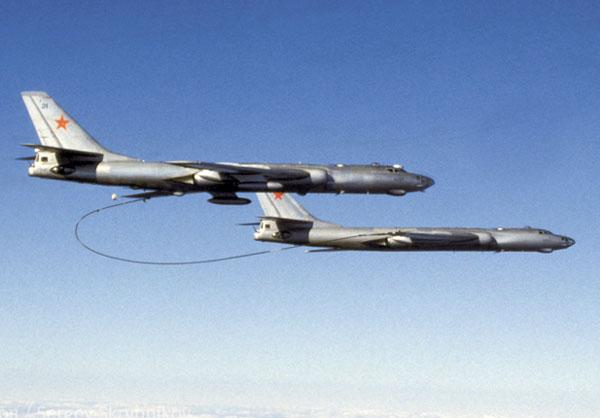 Дозаправка-Ту-16-в-воздухе