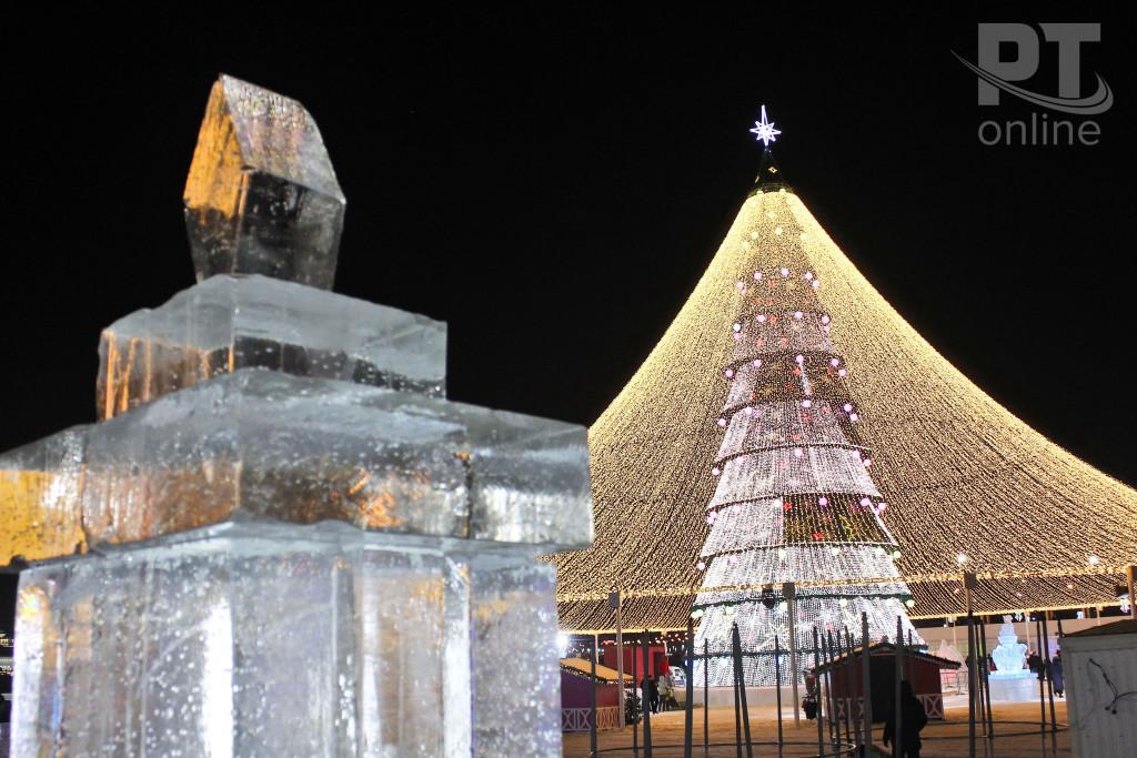 Новый год_Казань_главная елка_лед_A8G9805