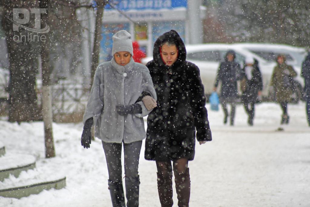 Погода_снег_горожане_A8G4455