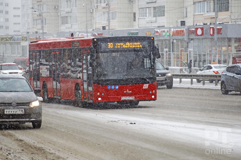 Общественный транспорт_автобус_снег_A8G4452