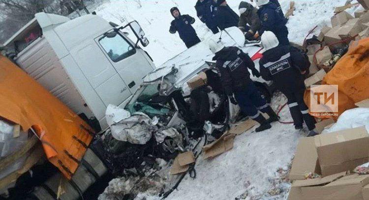 В результате ДТП в Татарстане погибли два человека
