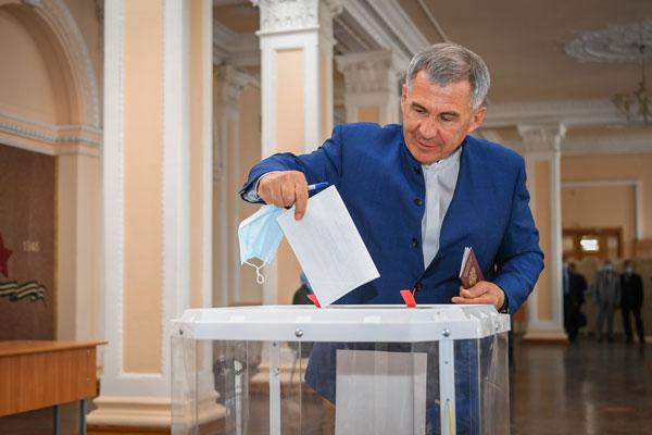 Минниханов-голосует