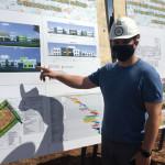 Руководитель-застройщика-Динар-Бадрутдинов-рассказал-о-проекте-нового-детсада,-строительство-которого-планируется-завершить-в-июле.
