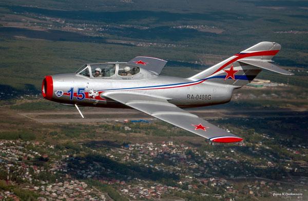 МиГ-15-пилотирует-Ильдус-Кирамов.