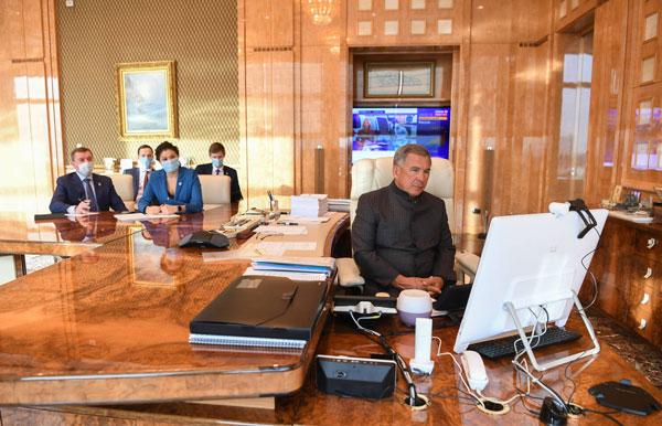 Встреча-Минниханова-с-Губернатором-провинции-Гилян-Исламской-Республики-Иран-Арсаланом-Заре