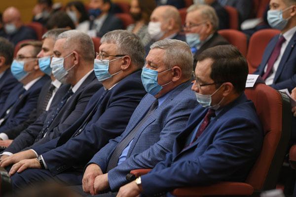 Совещание-с-руководителями-малых-нефтяных-компаний-Татарстана